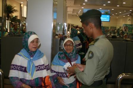 Jamaah Haji Banten dan Jabar Tiba di Madinah
